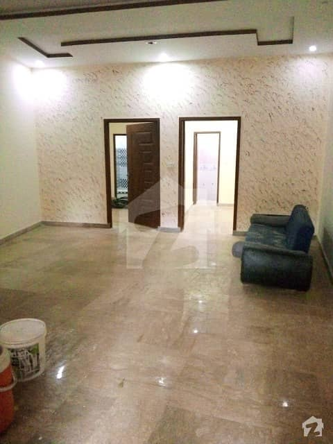 Samanabad Flat Sized 675  Square Feet Is Available
