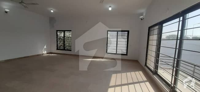 3 Storey House 25 Mrlaa 60*100 Available For Rent For Commercial And Residential Purpose Near Kashmir Highway