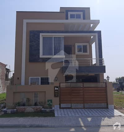 5 Mara Brand New House Sector C For Rent In Bahria Town Lahore