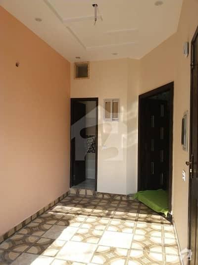 پاک عرب ہاؤسنگ سوسائٹی لاہور میں 1 کمرے کا 3 مرلہ زیریں پورشن 18 ہزار میں کرایہ پر دستیاب ہے۔