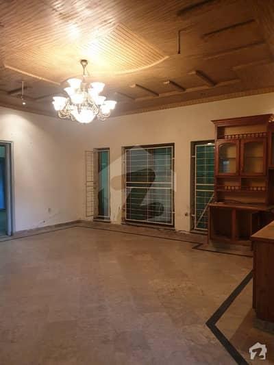 ٹاؤن شپ لاہور میں 8 کمروں کا 1 کنال مکان 2 لاکھ میں کرایہ پر دستیاب ہے۔