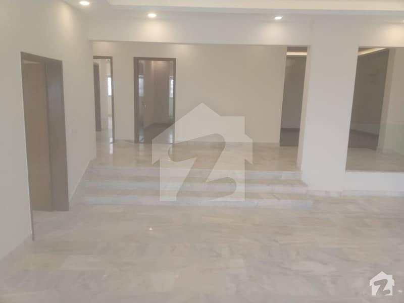 کلفٹن ۔ بلاک 2 کلفٹن کراچی میں 3 کمروں کا 12 مرلہ فلیٹ 5 کروڑ میں برائے فروخت۔