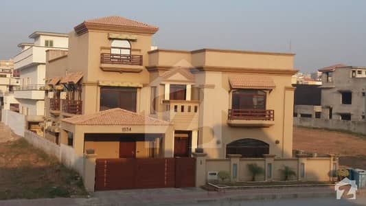 10 Marla Used House For Sale In Bahria Town Phase 8 Sector C Direct Deal
