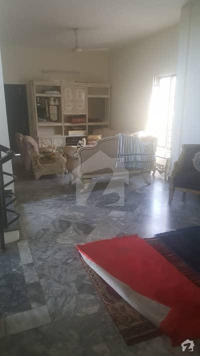 شاہراہِ فیصل کراچی میں 4 کمروں کا 10 مرلہ مکان 7.25 کروڑ میں برائے فروخت۔