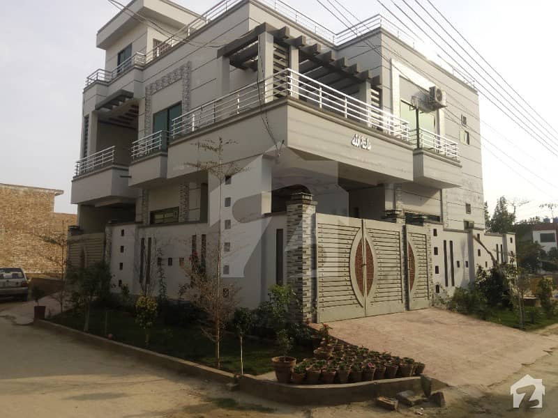 1350  Square Feet Upper Portion Situated In Rafi Qamar Road For Rent