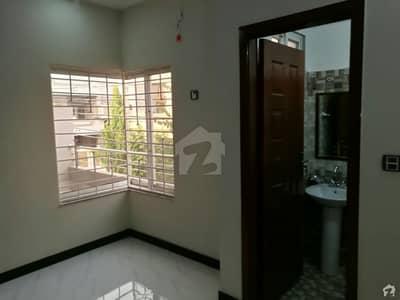 ایڈن بولیوارڈ ہاؤسنگ سکیم کالج روڈ لاہور میں 3 کمروں کا 5 مرلہ مکان 1.07 کروڑ میں برائے فروخت۔