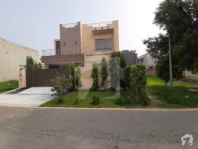 10 Marla House For Sale In Dha Phase 8 Block Q