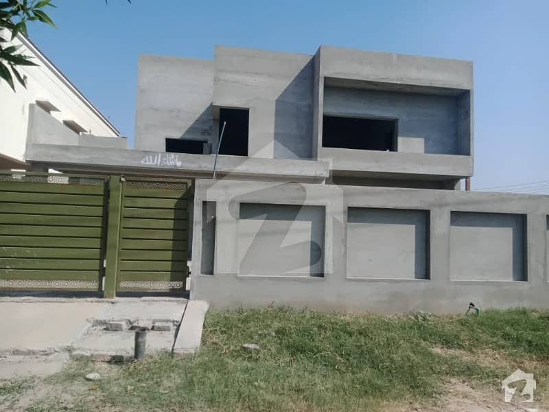 1 Kanal Grey Structure House For Sale