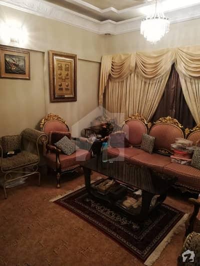 نشاط کمرشل ایریا ڈی ایچ اے فیز 6 ڈی ایچ اے کراچی میں 3 کمروں کا 6 مرلہ فلیٹ 1.35 کروڑ میں برائے فروخت۔