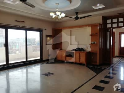 Bahria Tow Phase - 1 Kanal Luxurious Upper Portion Available For Rent