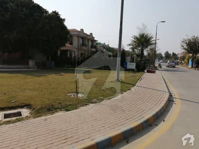 1 Kanal Plot Facing Park In Lake City In Sector M 3 Ready To Build Your Dream House