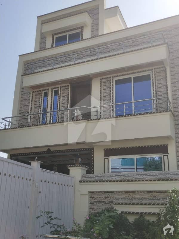 Brand New 25*40 Luxury Style House For Sale
