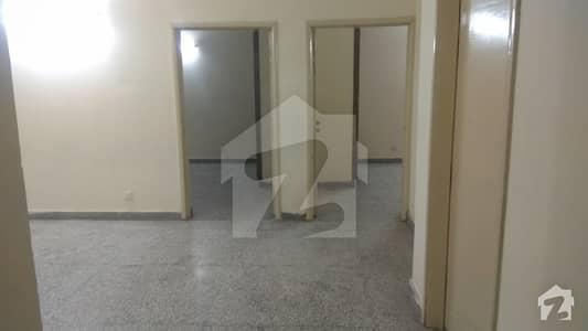 جی ۔ 11/3 جی ۔ 11 اسلام آباد میں 3 کمروں کا 5 مرلہ فلیٹ 1.05 کروڑ میں برائے فروخت۔