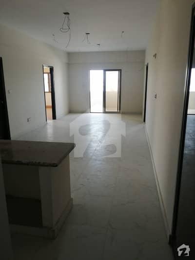جناح ایونیو کراچی میں 3 کمروں کا 7 مرلہ فلیٹ 1.4 کروڑ میں برائے فروخت۔