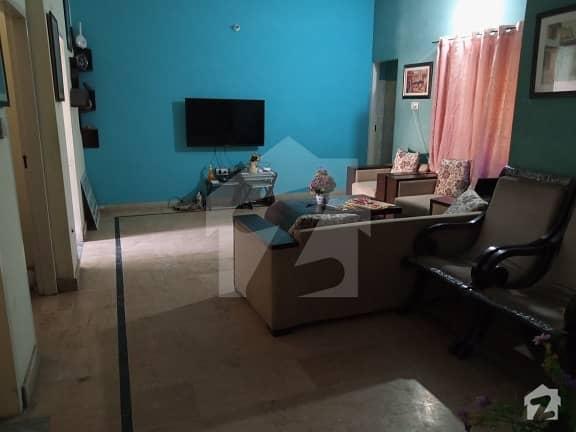 گلبرگ لاہور میں 2 کمروں کا 6 مرلہ بالائی پورشن 50 ہزار میں کرایہ پر دستیاب ہے۔