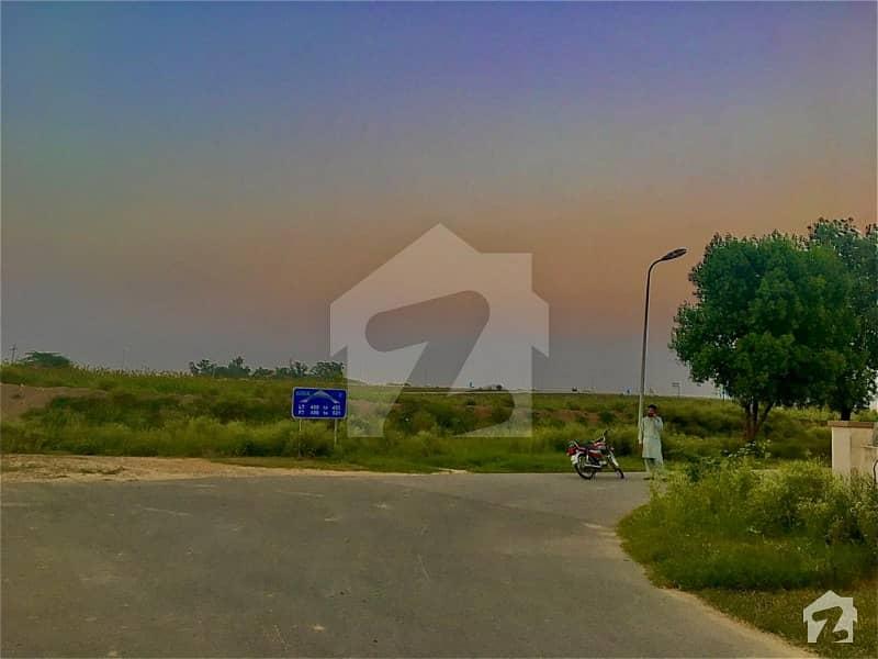 House Of 1125  Square Feet Available In Khayaban-E-Amin