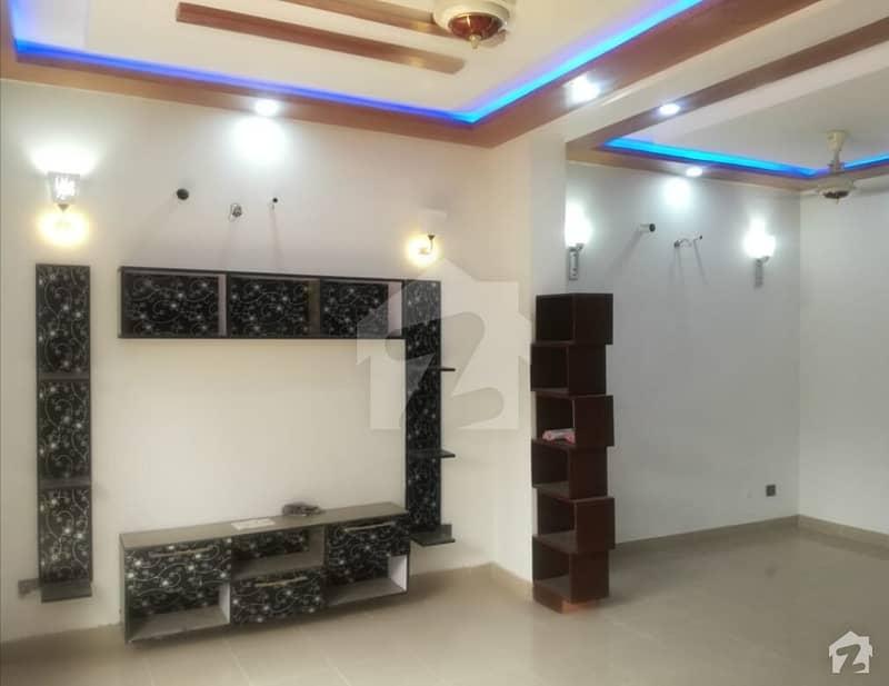 اے ڈبلیو ٹی فیز 2 اے ڈبلیو ٹی آرمی ویلفیئر ٹرسٹ رائیونڈ روڈ لاہور میں 3 کمروں کا 10 مرلہ بالائی پورشن 28 ہزار میں کرایہ پر دستیاب ہے۔