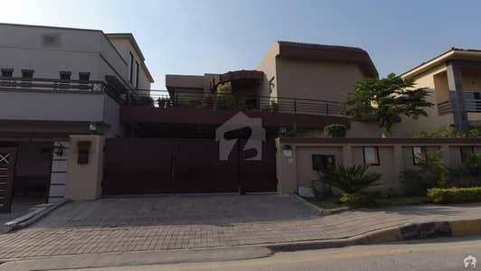 بحریہ ٹاؤن فیز 4 بحریہ ٹاؤن راولپنڈی راولپنڈی میں 6 کمروں کا 1 کنال مکان 4.5 کروڑ میں برائے فروخت۔