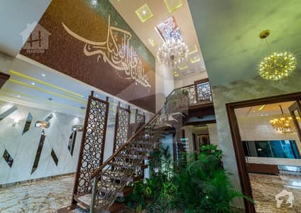 1 Kanal Extra Land Phenomenal Design Brand New Antique Palace