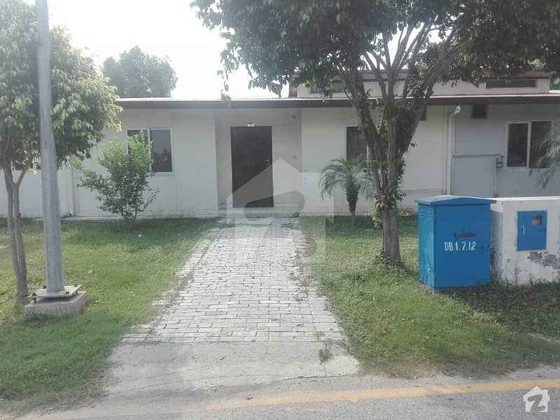 In Bahria Nasheman House For Sale Sized 5 Marla