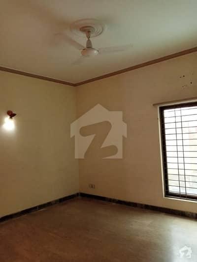 اسٹیٹ لائف ہاؤسنگ فیز 1 اسٹیٹ لائف ہاؤسنگ سوسائٹی لاہور میں 2 کمروں کا 10 مرلہ زیریں پورشن 45 ہزار میں کرایہ پر دستیاب ہے۔