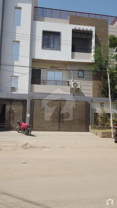 Flat Sized 2000  Square Feet Is Available For Sale In Amir Khusro