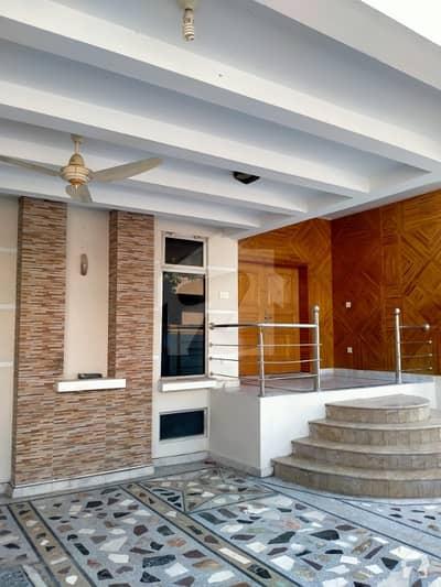 بحریہ ٹاؤن فیز 4 بحریہ ٹاؤن راولپنڈی راولپنڈی میں 10 کمروں کا 1 کنال مکان 4.5 کروڑ میں برائے فروخت۔