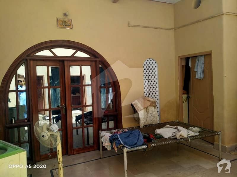 کھِچی محلہ علی گوھر آباد لاڑکانہ میں 4 کمروں کا 6 مرلہ مکان 1.2 کروڑ میں برائے فروخت۔