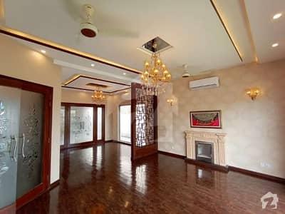 اسٹیٹ لائف ہاؤسنگ فیز 1 اسٹیٹ لائف ہاؤسنگ سوسائٹی لاہور میں 5 کمروں کا 1 کنال مکان 3.9 کروڑ میں برائے فروخت۔