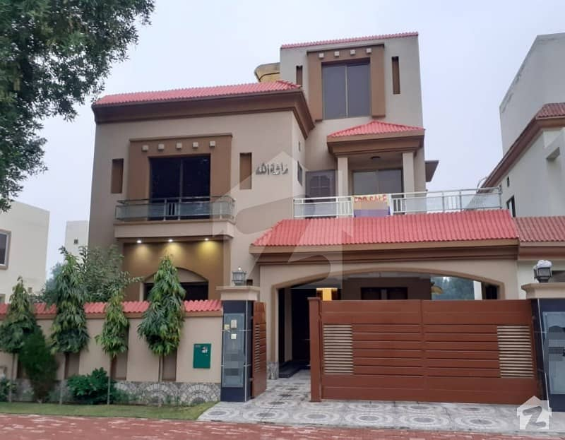 10 Marla House For Rent In Jasmine Block Sector C Bahria Town Lahore