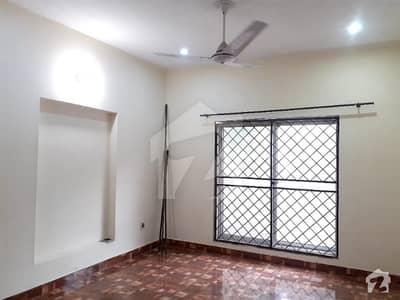 بحریہ ہومز بحریہ ٹاؤن سیکٹر ای بحریہ ٹاؤن لاہور میں 3 کمروں کا 6 مرلہ مکان 38 ہزار میں کرایہ پر دستیاب ہے۔
