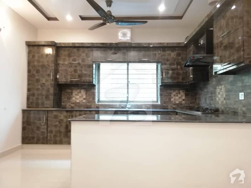 10 Marla House For Rent In Chambelli Block Sector C Bahria Town Lahore