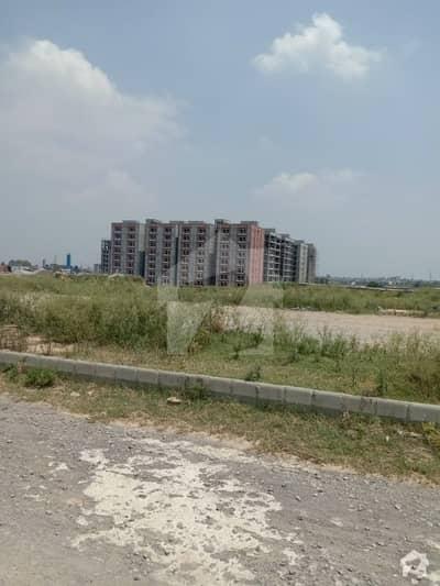 آئی ۔ 12 اسلام آباد میں 8 مرلہ رہائشی پلاٹ 99 لاکھ میں برائے فروخت۔