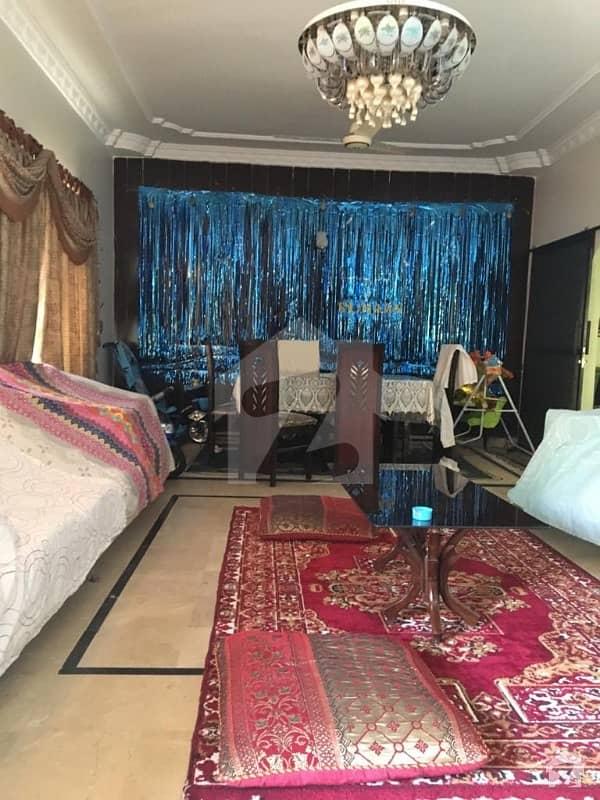 گلستانِِ جوہر ۔ بلاک 17 گلستانِ جوہر کراچی میں 4 کمروں کا 10 مرلہ مکان 3.5 کروڑ میں برائے فروخت۔