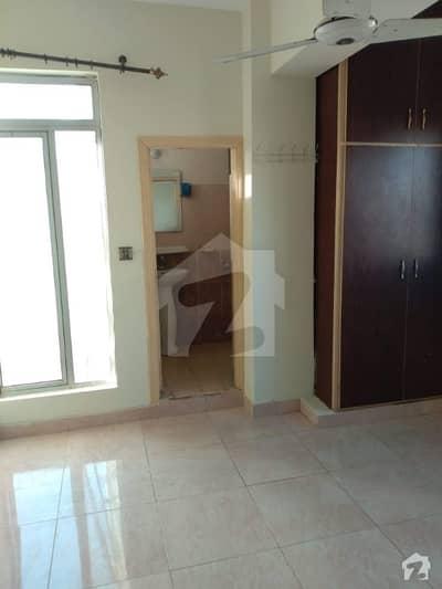 سوان گارڈن اسلام آباد میں 2 کمروں کا 3 مرلہ فلیٹ 35 لاکھ میں برائے فروخت۔