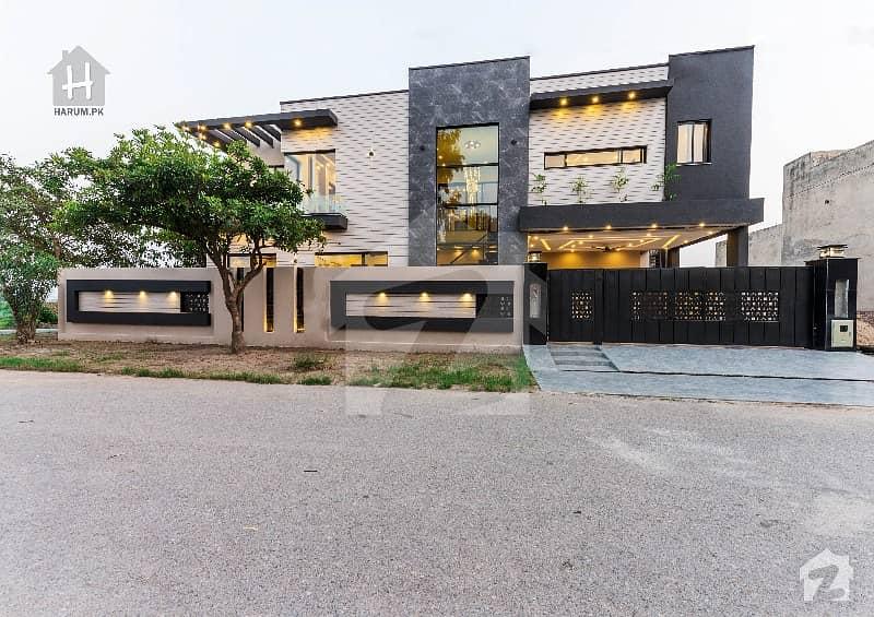 15 Marla Most Unique Design Brand New Palace