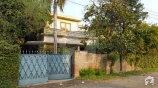 گارڈن ٹاؤن لاہور میں 6 کمروں کا 2 کنال مکان 9 کروڑ میں برائے فروخت۔