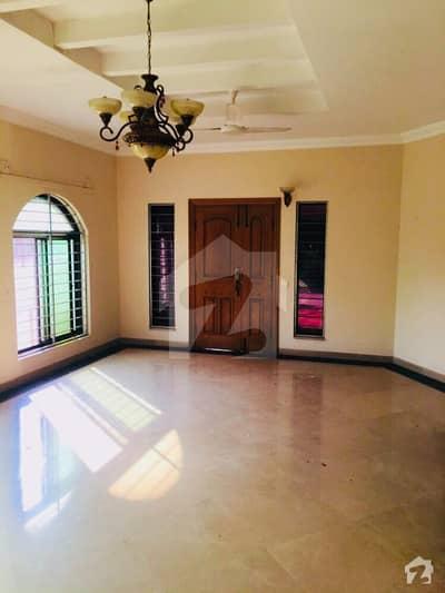 ایف ۔ 11/3 ایف ۔ 11 اسلام آباد میں 7 کمروں کا 1 کنال مکان 2.2 لاکھ میں کرایہ پر دستیاب ہے۔