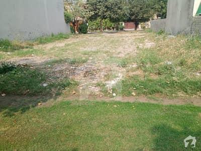ڈی ایچ اے فیز 3 - بلاک ڈبلیو فیز 3 ڈیفنس (ڈی ایچ اے) لاہور میں 10 مرلہ رہائشی پلاٹ 2.24 کروڑ میں برائے فروخت۔