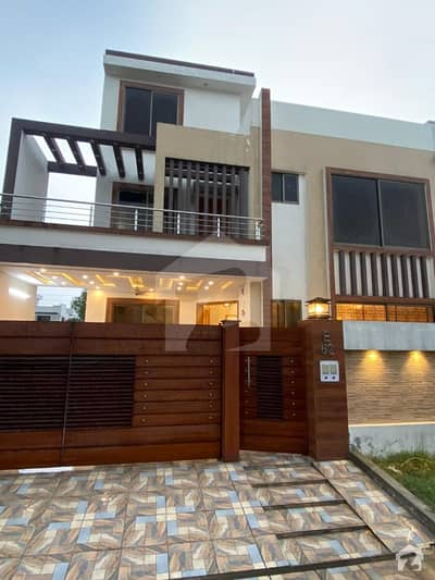 10 Marla House For Sale On Hot Location