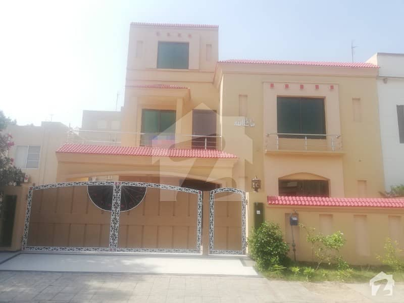 10 Marla Like A New House For Rent In Overseas A Block Bahria Town Lahore