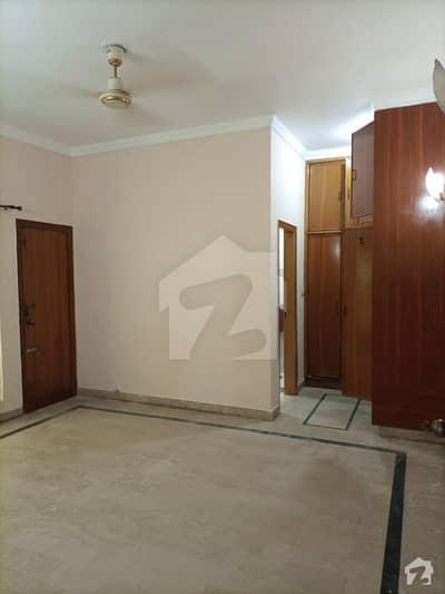 جوہر ٹاؤن فیز 2 جوہر ٹاؤن لاہور میں 5 کمروں کا 12 مرلہ مکان 2.6 کروڑ میں برائے فروخت۔