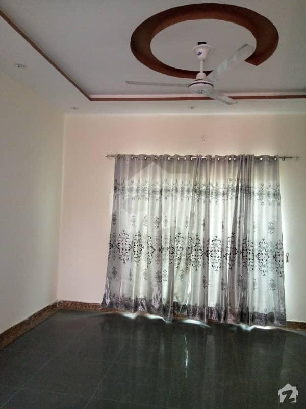 ڈی ایچ اے 11 رہبر لاہور میں 3 کمروں کا 5 مرلہ مکان 45 ہزار میں کرایہ پر دستیاب ہے۔