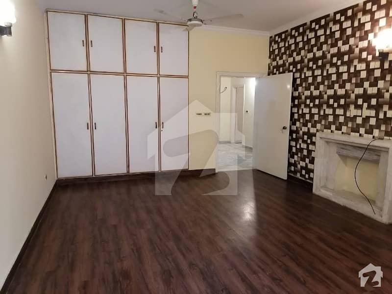 1 Kanal Beautiful House For Rent Like Brand New