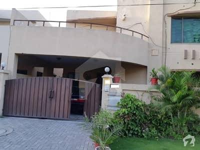 عسکری 10 - سیکٹر سی عسکری 10 عسکری لاہور میں 4 کمروں کا 10 مرلہ مکان 2.58 کروڑ میں برائے فروخت۔