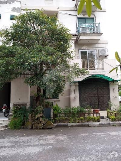 جی ۔ 7/2 جی ۔ 7 اسلام آباد میں 3 کمروں کا 6 مرلہ فلیٹ 1.5 کروڑ میں برائے فروخت۔