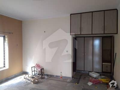نشیمنِ اقبال لاہور میں 2 کمروں کا 5 مرلہ فلیٹ 30 ہزار میں کرایہ پر دستیاب ہے۔