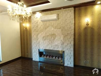 بحریہ ٹاؤن چمبیلی بلاک بحریہ ٹاؤن سیکٹر سی بحریہ ٹاؤن لاہور میں 5 کمروں کا 10 مرلہ مکان 80 ہزار میں کرایہ پر دستیاب ہے۔