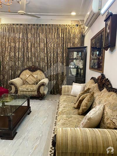 Baig Offer One Kanal  Gulberg House For Commercial Use
