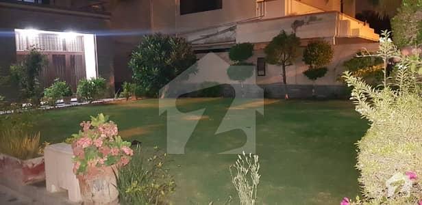 ڈی ایچ اے فیز 7 ڈی ایچ اے کراچی میں 7 کمروں کا 2 کنال مکان 15.5 کروڑ میں برائے فروخت۔
